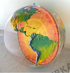 Topographischer aufblasbarer Globus 92cm mit Erdkern